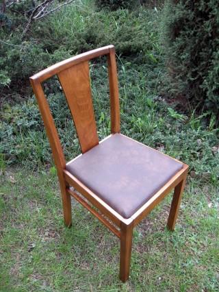 Krzesła modernistyczne - Obrazek